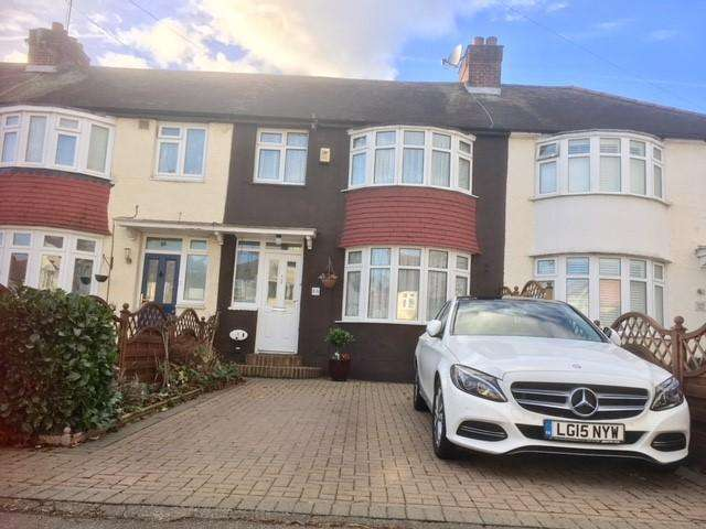 3 Bedrooms Terraced House for sale in EGHAM CRESCENT, NORTH CHEAM SM3
