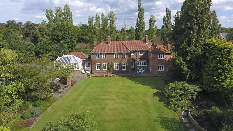 7 Bedrooms Detached House for sale in Sim Balk Lane, Bishopthorpe, York