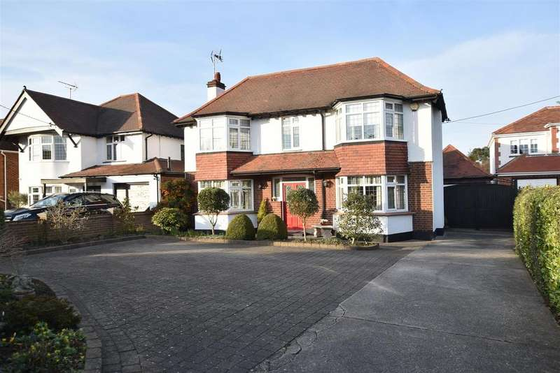 5 Bedrooms Detached House for sale in Great Wheatley Road, Rayleigh