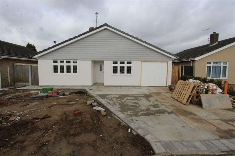 3 Bedrooms Detached Bungalow for sale in Rugosa Close, Stanway, Colchester, Essex