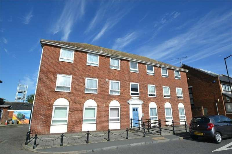 2 Bedrooms Flat for sale in Sparrows House, Station Road, Brightlingsea, COLCHESTER, Essex