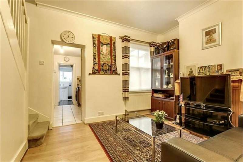 3 Bedrooms Terraced House for sale in Quainton Street, London
