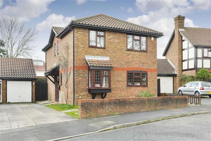 4 Bedrooms Detached House for sale in Burns Drive, Banstead, Surrey