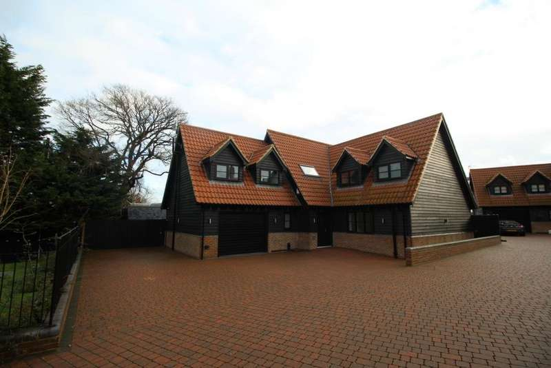 4 Bedrooms Detached House for rent in London Road, Stanford Rivers, CM5