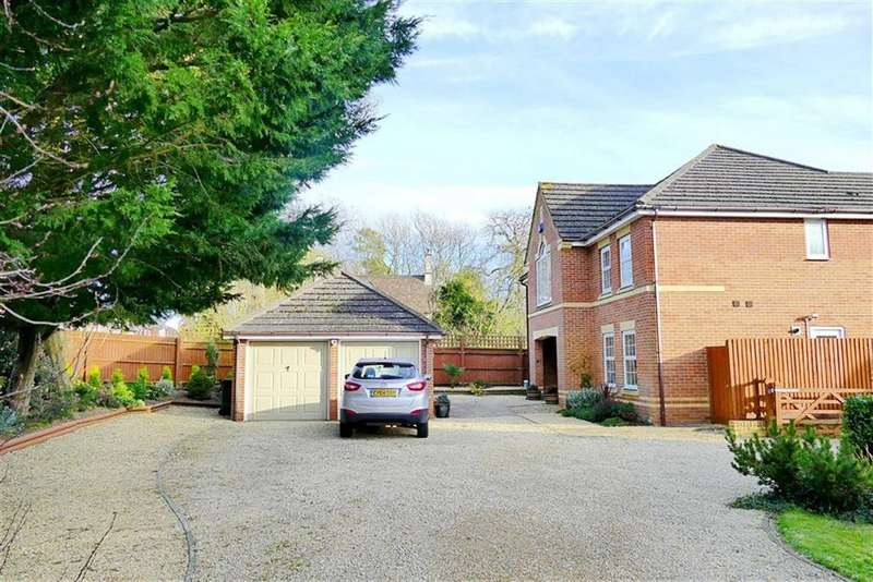 5 Bedrooms Detached House for sale in Lake View, Calne