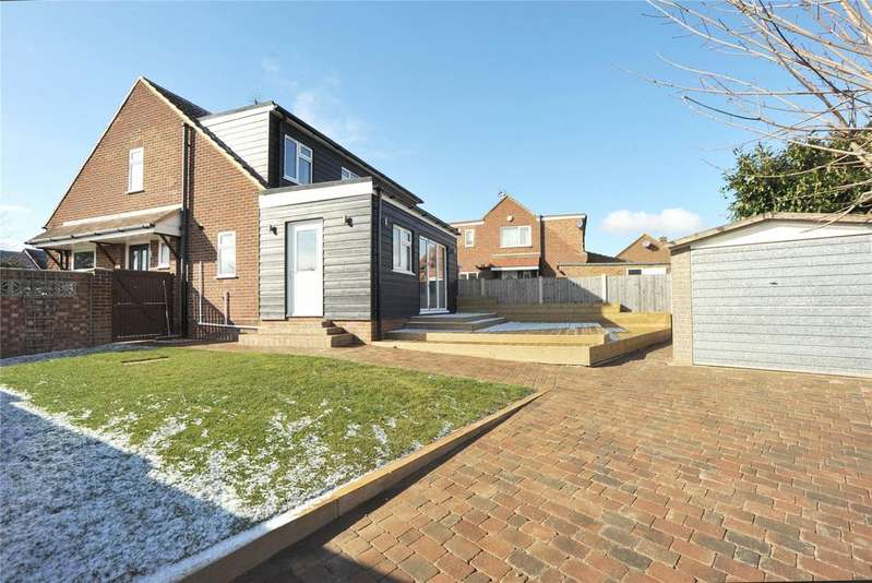 3 Bedrooms Semi Detached House for sale in Coombe Rise, Chelmsford, Essex, CM1