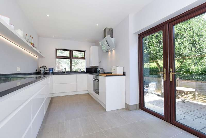 4 Bedrooms Detached House for sale in Crystal Palace Park Road Sydenham SE26