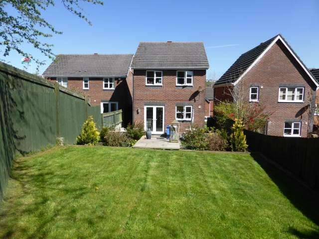 3 Bedrooms House for rent in Allt Ioan, Johnstown, Carmarthenshire