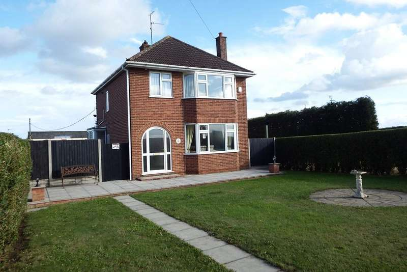 3 Bedrooms Detached House for sale in Dowsdale Bank, Shepeau Stow, PE12