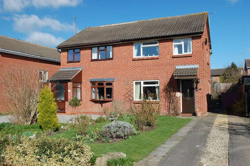 3 Bedrooms Semi Detached House for sale in Seymour Road, Alcester, B49