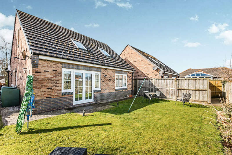 4 Bedrooms Detached Bungalow for rent in Greenrow Meadows, Silloth, Wigton, CA7