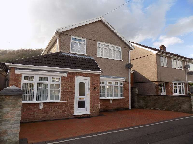 3 Bedrooms Detached House for sale in Golwg Yr Graig , Crynant, Neath, Neath Port Talbot. SA10 8RY