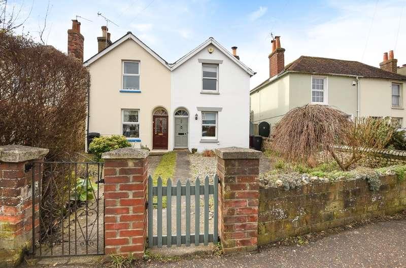 3 Bedrooms Semi Detached House for sale in Bognor Road, Chichester, PO19