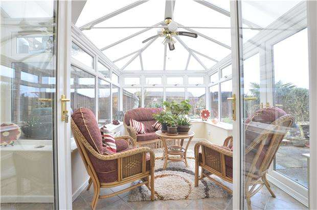 4 Bedrooms Detached House for sale in Lexington Close, Walton Cardiff, TEWKESBURY, Gloucestershire, GL20 7QU
