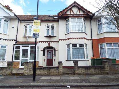 4 Bedrooms Terraced House for sale in East Ham, London