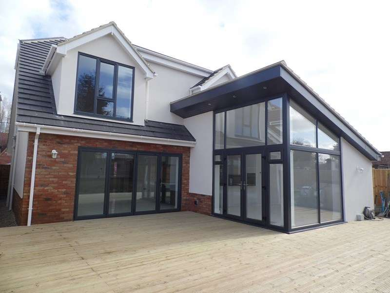 4 Bedrooms Detached House for sale in Fanton Walk, Wickford