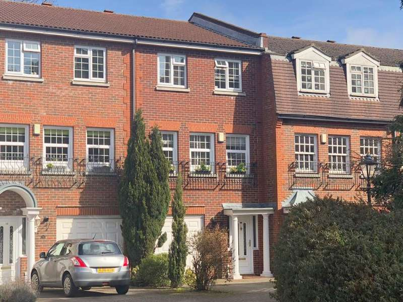 4 Bedrooms Town House for sale in Ventry Close, Poole, BH13 6AW