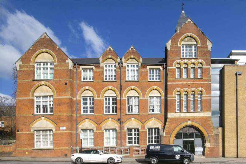 2 Bedrooms Flat for sale in The Old School House, 146 York Way, N1