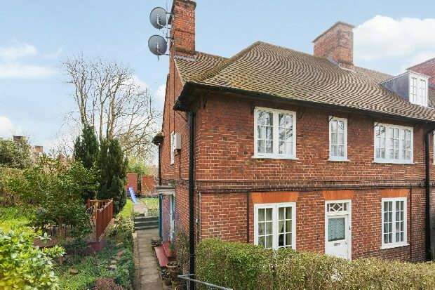 4 Bedrooms Flat for sale in St Albans Road, Dartmouth Park, NW5