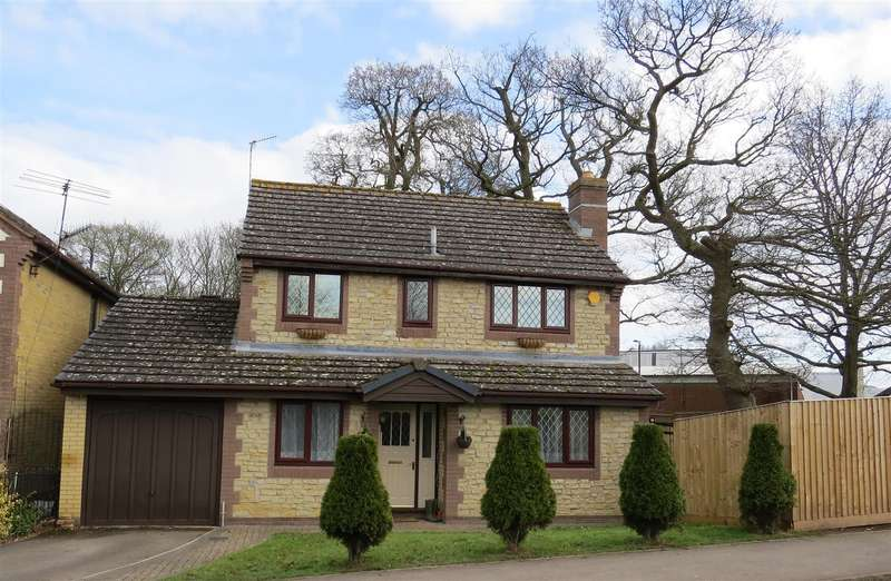 4 Bedrooms House for sale in Maple Close, Calne