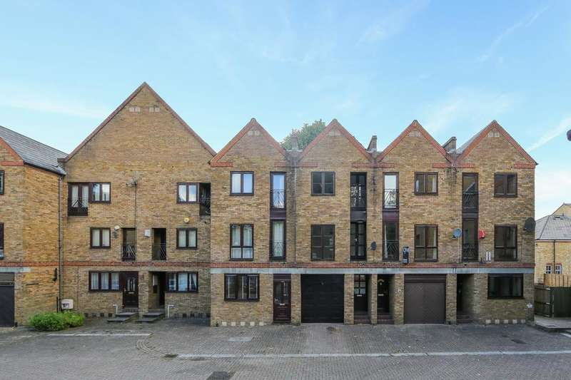 3 Bedrooms Town House for sale in Brunswick Quay, London SE16