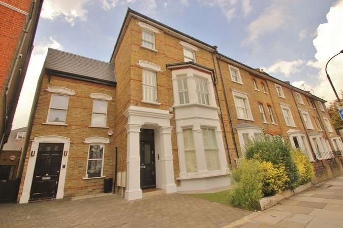 5 Bedrooms Terraced House for rent in Rowan Road, London