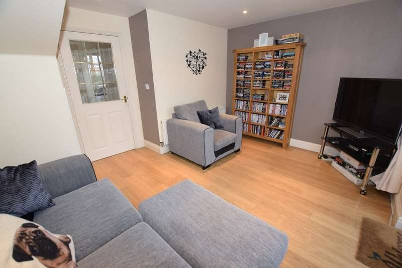 2 Bedrooms End Of Terrace House for sale in Titus Way, Colchester, Essex, CO4