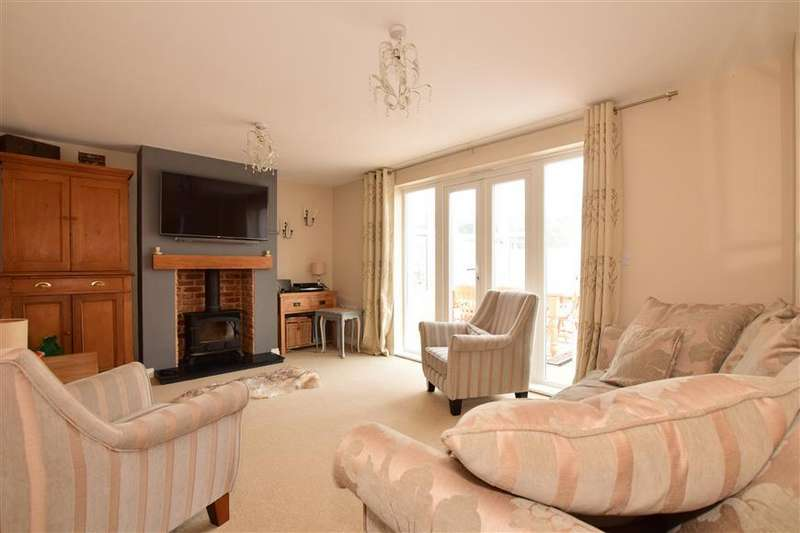 4 Bedrooms Detached House for sale in Sunlight Gardens, Fareham, Hampshire