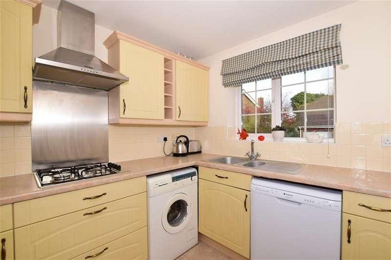 3 Bedrooms Link Detached House for sale in High Ridge, Ashford, Kent