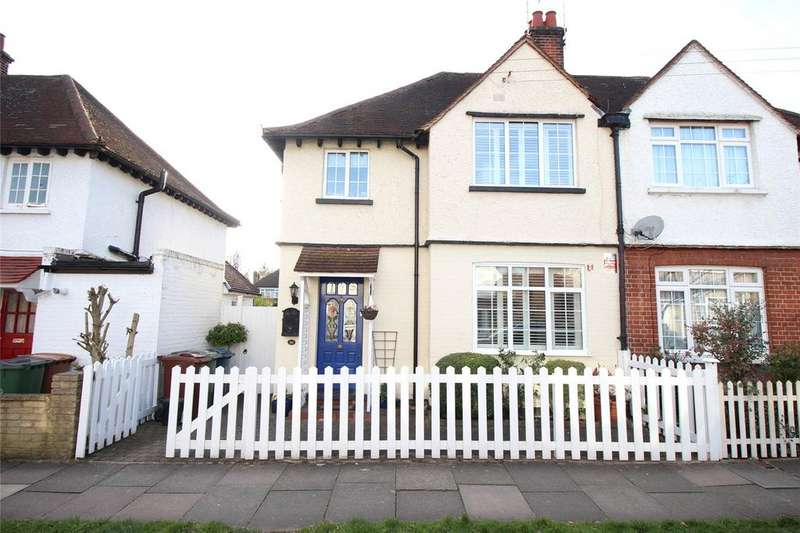 3 Bedrooms Semi Detached House for sale in Glebe Road, Stanmore, HA7