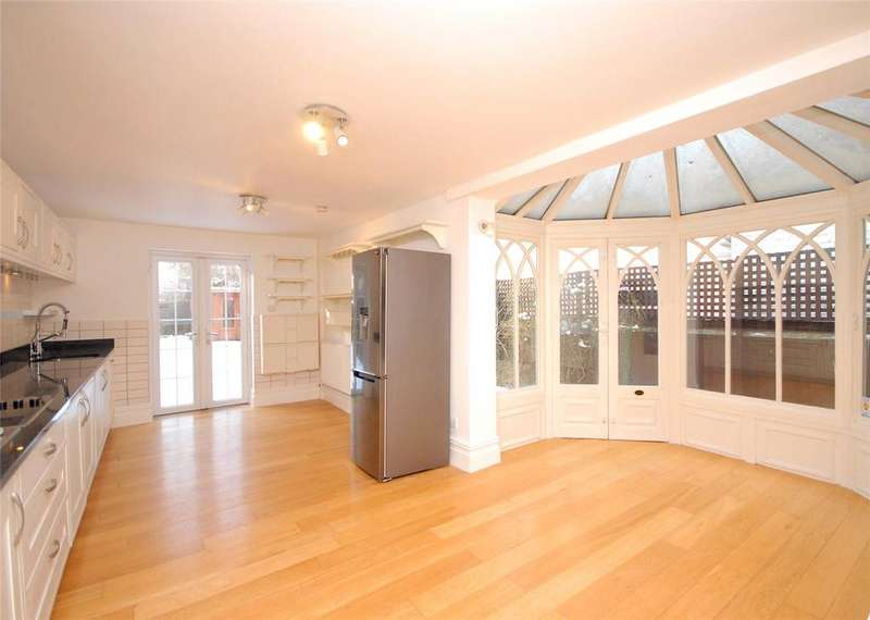 4 Bedrooms Terraced House for rent in Westcombe Hill, London, SE3