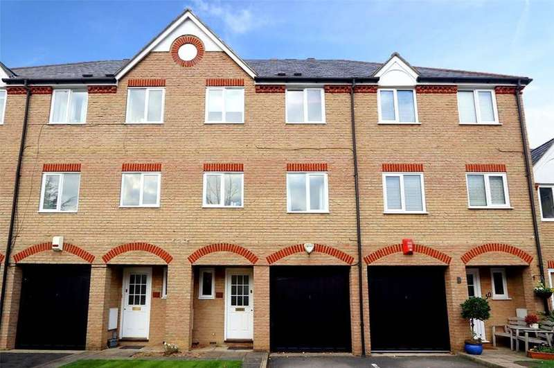 4 Bedrooms House for sale in Norbury Avenue, Watford, Hertfordshire, WD24