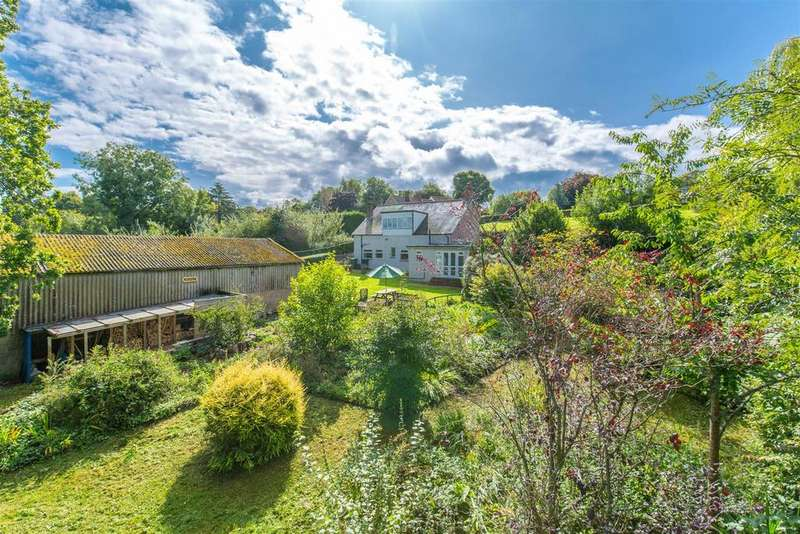 3 Bedrooms Detached House for sale in Heathfield Road, Burwash Common