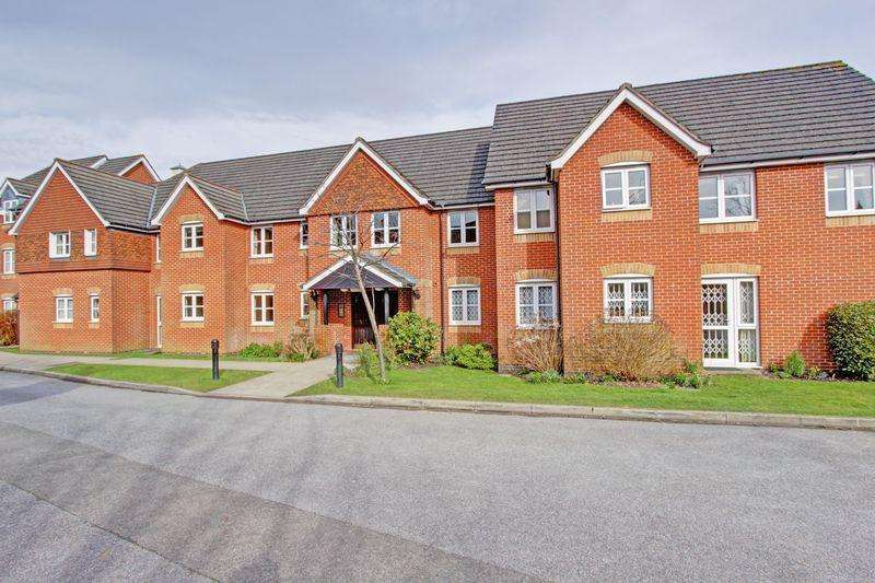 2 Bedrooms Retirement Property for sale in Town centre retirement living