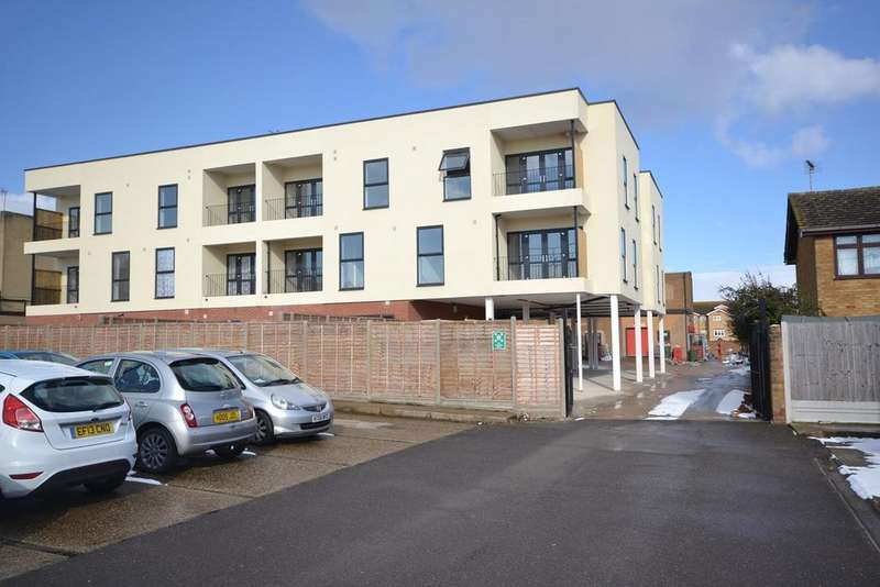 1 Bedroom Apartment Flat for rent in Amber Court, St Johns Way, Corringham, Essex, SS17