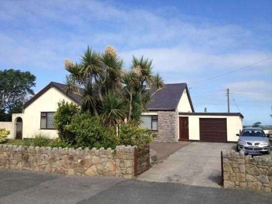 3 Bedrooms Detached Bungalow for sale in Bryn Aber, Newborough