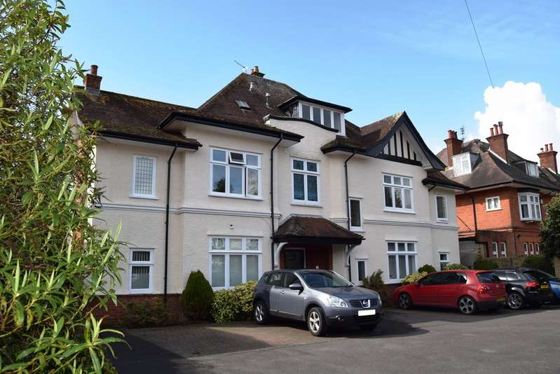 2 Bedrooms Apartment Flat for sale in Ridgemount, 56 Portchester Road, Bournemouth BH8