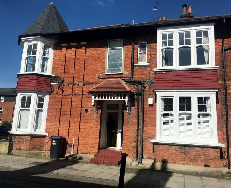 2 Bedrooms Maisonette Flat for sale in Palmerston Road, Wood Green, London, N22 8RD