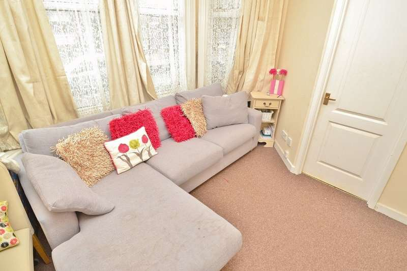 1 Bedroom Flat for sale in Shirley