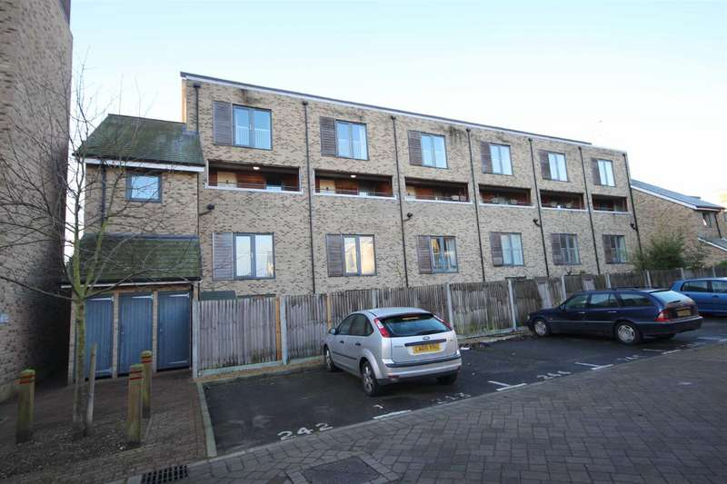 2 Bedrooms Flat for sale in Scholars Walk, Cambridge