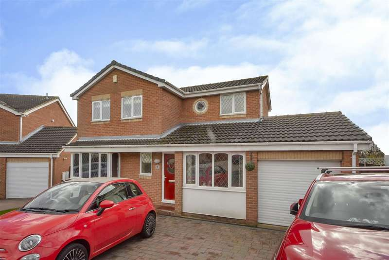 4 Bedrooms Detached House for sale in Hampton Close, Toton