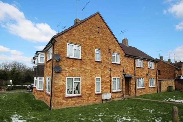 1 Bedroom Maisonette Flat for sale in Brookside, Potters Bar, Hertfordshire, EN6 3PT