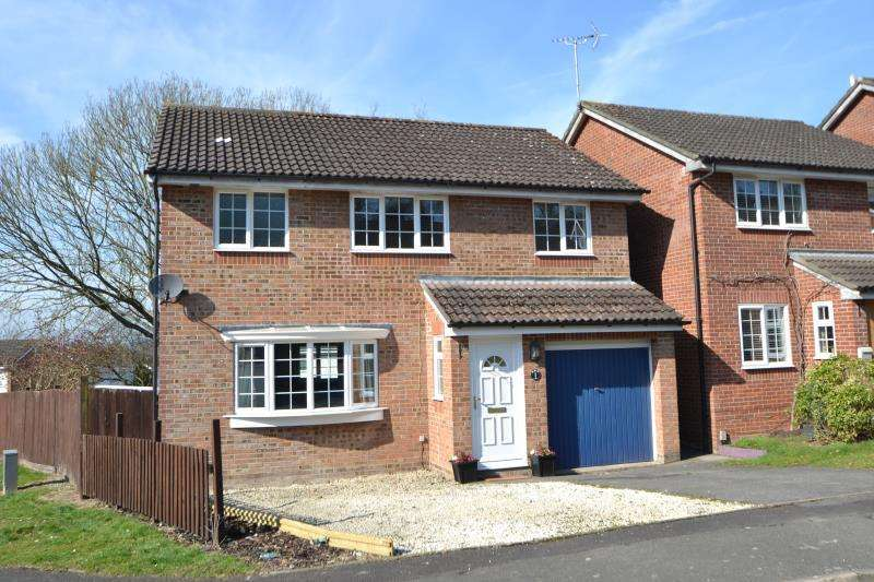 3 Bedrooms Detached House for rent in Cornfields, Andover, SP10 2EY
