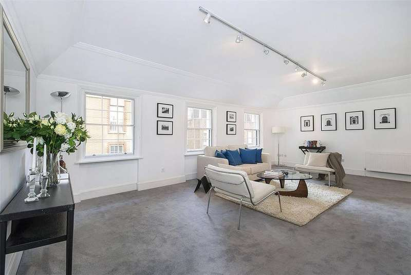 3 Bedrooms Flat for sale in Craven Street, London, WC2N