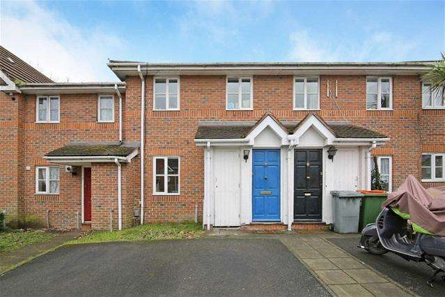 3 Bedrooms Terraced House for sale in Peridot Street, Beckton