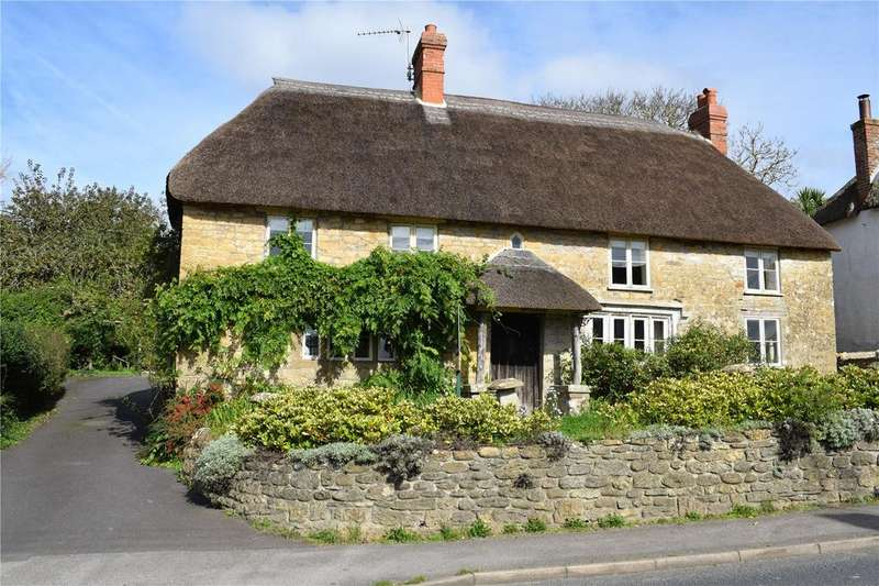 3 Bedrooms House for sale in Chideock, Bridport, Dorset