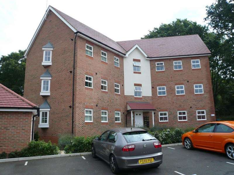 2 Bedrooms Apartment Flat for rent in Mescott Meadows, Hedge End SO30