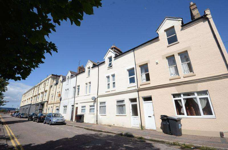 5 Bedrooms Terraced House for rent in Northcote Road, Bournemouth