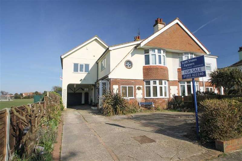 4 Bedrooms Semi Detached House for sale in Fourth Avenue, East Clacton