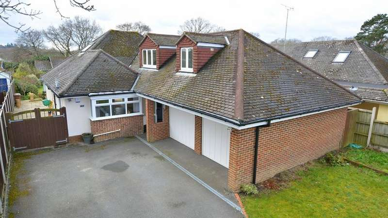 4 Bedrooms Detached Bungalow for sale in Pinehurst Road, West Moors